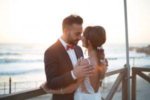 מה חשוב לבדוק לפני ששוכרים צלם וידאו לחתונה?